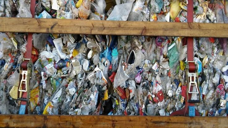 Niemieckie śmieci trafiają do Polski. Interes kwitnie, bo transport odpadów jest trudny do wykrycia